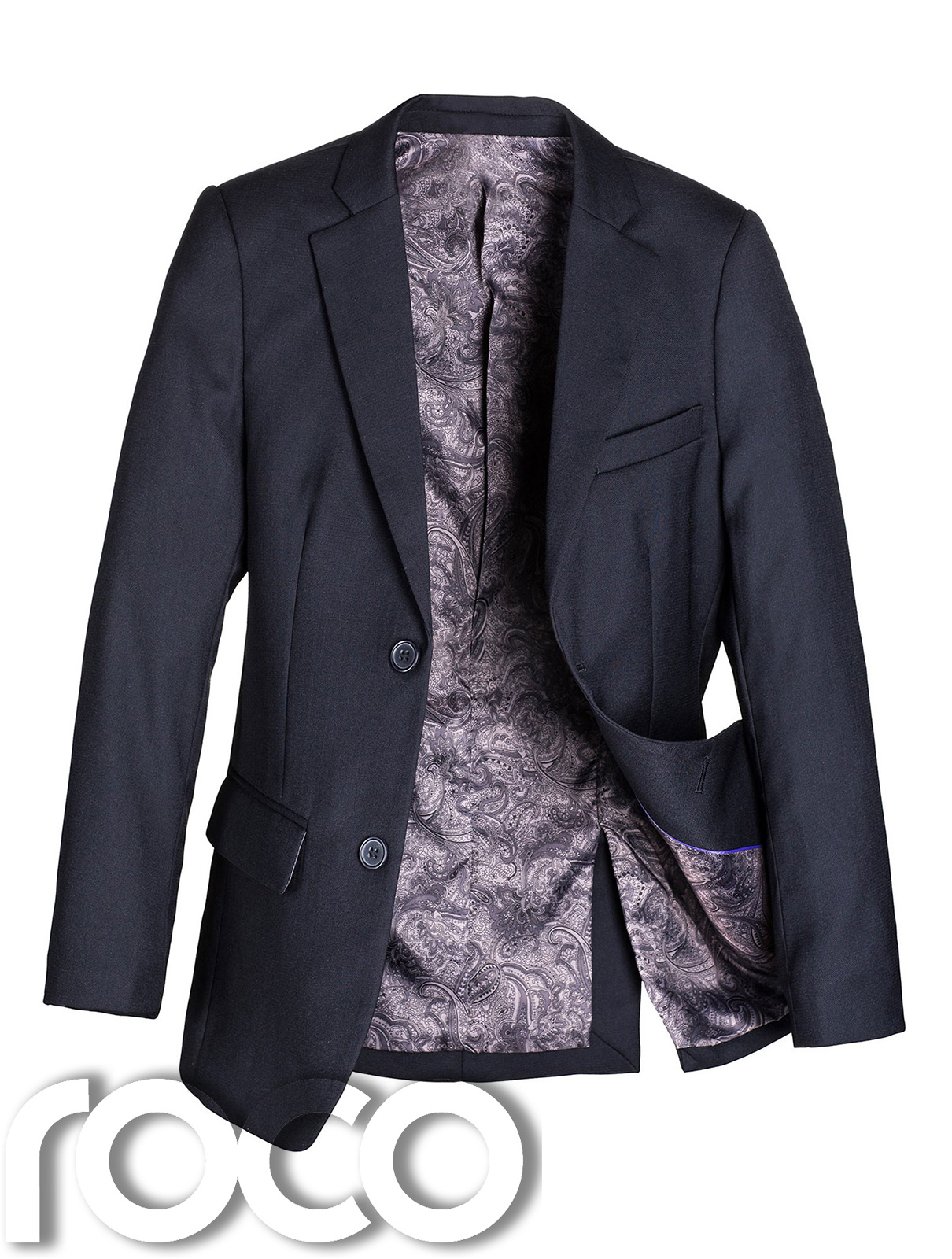 A blazer isn't all that far off from being a navy suit jacket, which is what allows it to be worn in dressier settings. Like a navy suit, the navy blazer is great both during the day and in the evening.