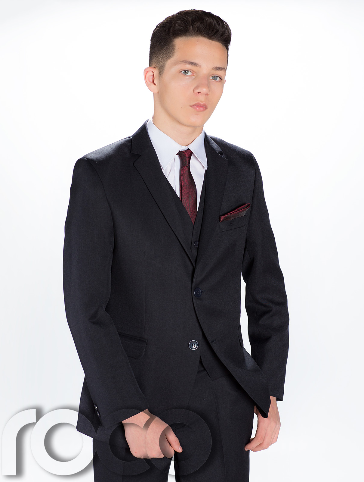 There are three basic types of suit sets for boys Whether a youngster is going to an elegant wedding or attending a birthday party at an upscale restaurant, boys' suit sets offer variety in .